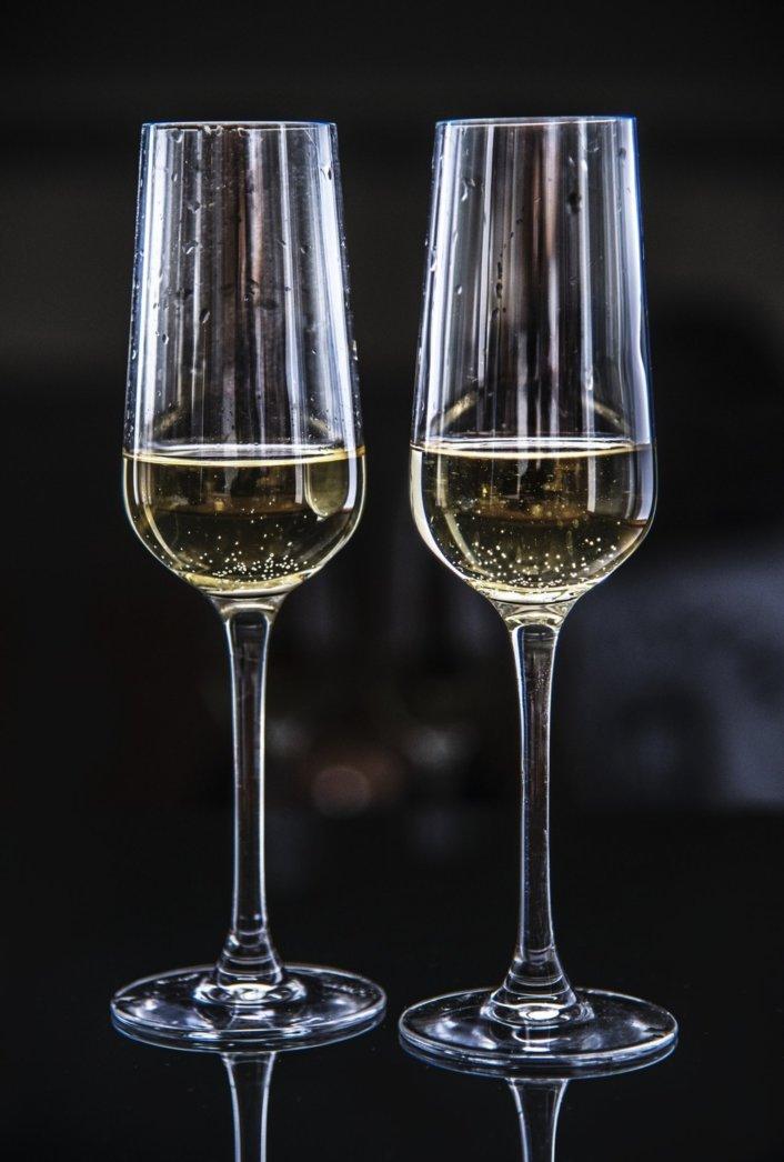 グラス シャンパン ワイン