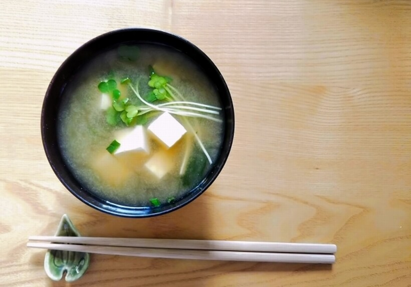 箸と日本の食文化の深い関係とはなんですか?