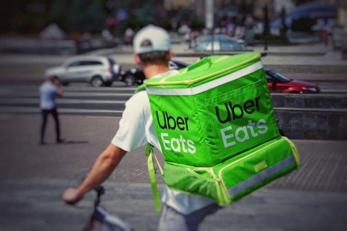テイクアウト デリバリー UberEats