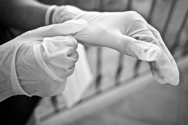 ニトリル手袋|不足している7つの理由を解説!