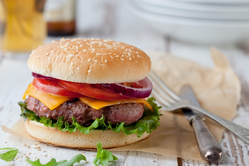 使い捨てのハンバーガー容器を選ぶ|テイクアウト・デリバリーの人気メニュー