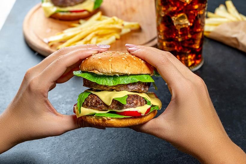 なぜ?コロナ禍でハンバーガー店が増えている4つの理由